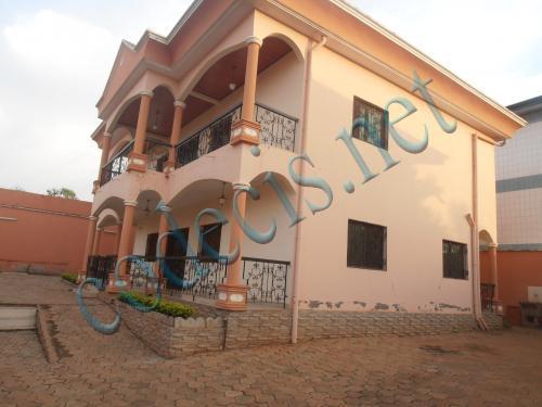 Villa en duplex de 05 chambres à vendre à Odza, Yaoundé
